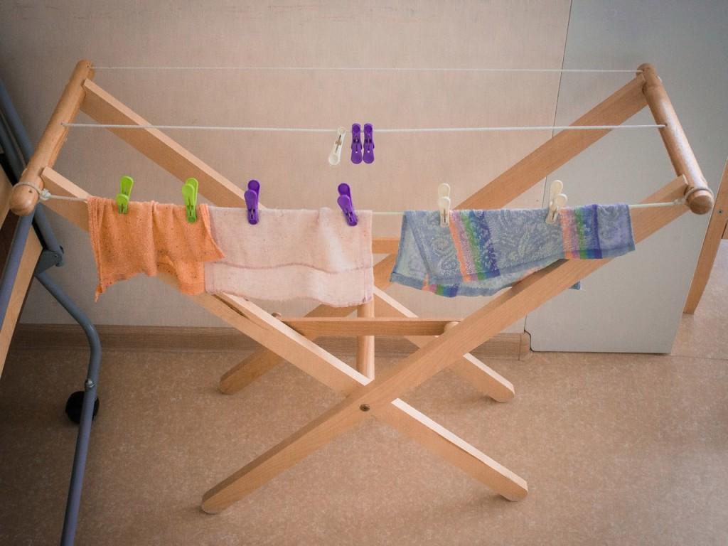 Детские сушильные доски в Монтессори-школе
